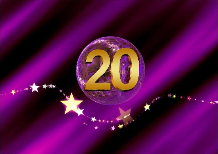 SHEworks Adventskalender Türchen 20 lila Kuge mit goldener 20