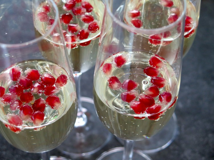 champagner mit granatapfel - FinV-Neujahrsempfang