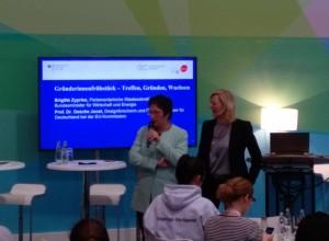 Brigitte Zypries und Prof.Dr. Gesche Joost eröffnen das Gründerinnenfrühstück auf der Cebit 2016