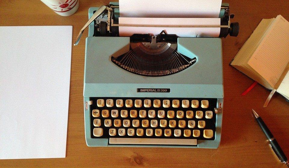 Schreibtisch Schreibmaschine Büro