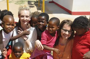 beliya Gründerinnen vor Ort in Afrika