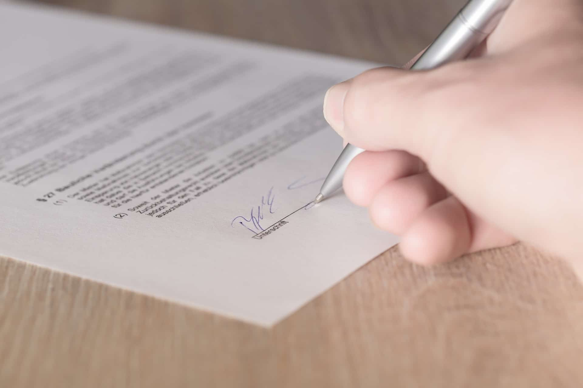 Ein Arbeitsvertrag Was Darf Und Was Muss Drinstehen