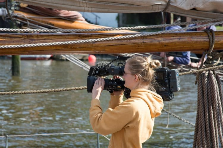 Kamerafrau stellvertreten für Frauen in Kultur und Medien