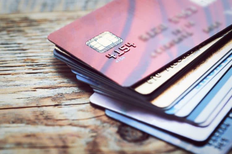 Bargeldlos unterwegs: Welche Kreditkarte passt zu mir?